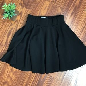 EUC H Y black skater skirt